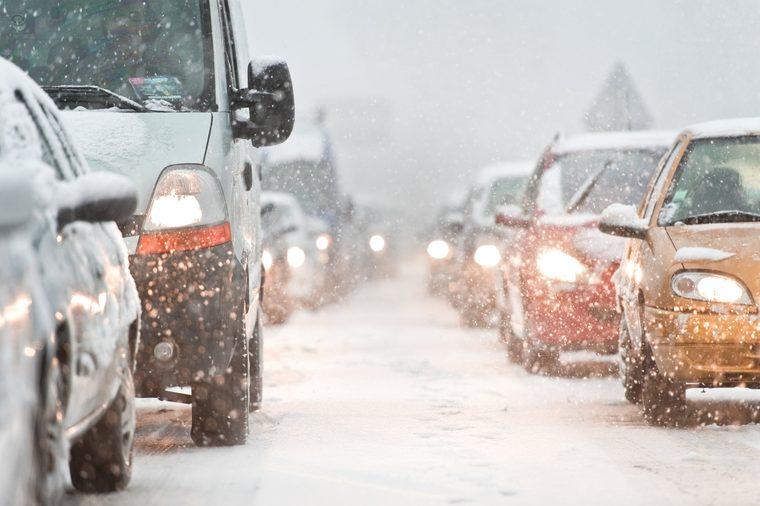 رانندگی در برف سبک چه تفاوتی با رانندگی در برف سنگین و بوران دارد؟