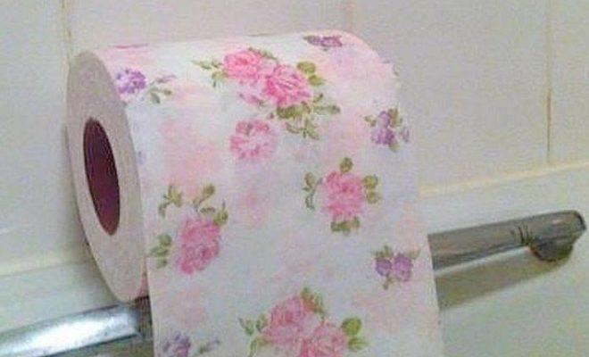چرا دستمال توالت سفید است؟ پیش از پاسخ به این سوال باید با شیوه درست کردن دستمال توالت آشنا شوید.