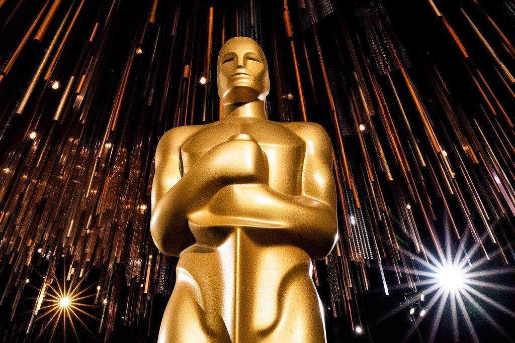 مراسم اعلام نامزدهای اسکار 2021 دقایقی پیش با اجرای نیک جوناس و همسرش، پریانکا چوپرا آغاز شد و فهرست کامل نامزدهای اسکار به سرعت اعلام شد.
