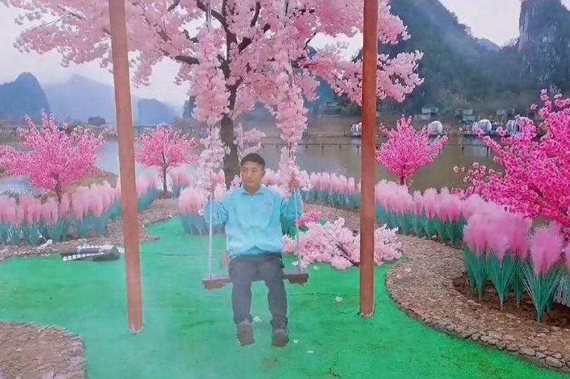 تلاش نافرجام مرد چینی برای بازگرداندن نامزد سابقش با خلق بهشتی جزیره ای روی زمین