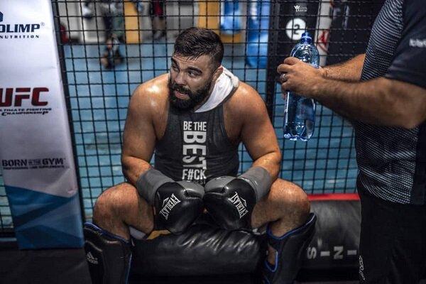 امیر علی اکبری مبارز ایرانی دنیای هنرهای رزمی ترکیبی در مبارزه برابر یک حریف کره ای برای اولین بار ناک اوت شد