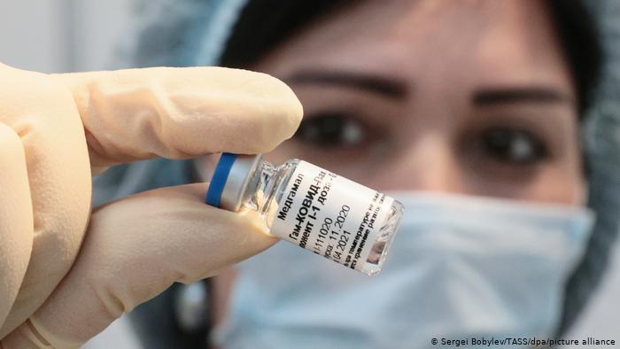 خونریزی داخلی پزشک ایرانی پس از تزریق واکسن اسپوتنیک وی