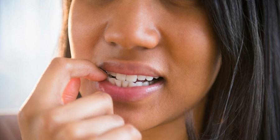 عادت های بدی که به دندان ها صدمه می زنند