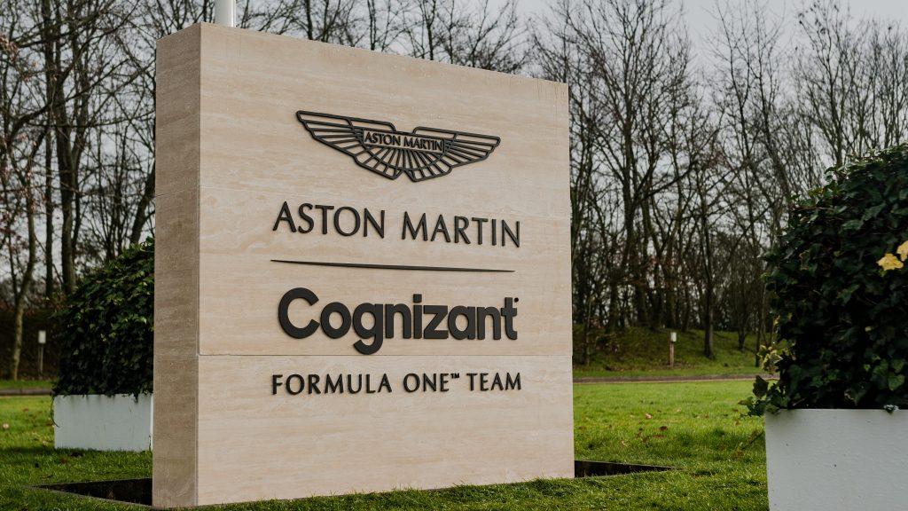 کمپانی استون مارتین با رونمایی از خودرو مسابقه ای جدید خود، بازگشت خود پس از دهه ها به فرمول یک را اعلام کرد