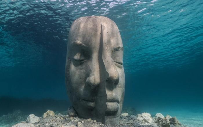 افتتاح موزه زیرآبی در کن فرانسه با مجسمه های ۱۰ تنی