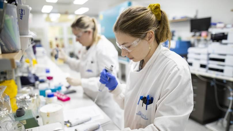 محققان دانشگاه هاروارد اعلام کرده اند که یک زن مبتلا به HIV که ساکن آرژانتین و ملقب به بیمار اسپرانزا (Esperanza) است به شکل طبیعی بهبود یافته است.