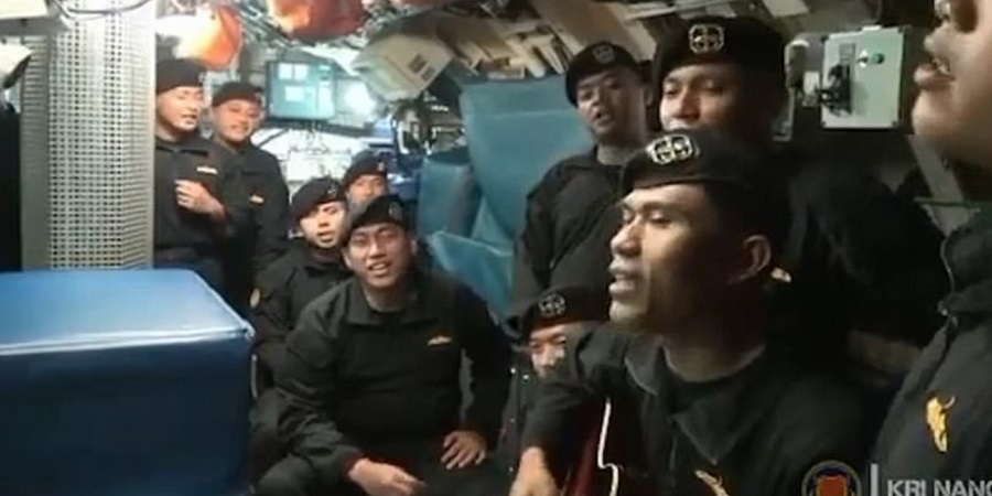 سرود مرگ؛ خدمه زیردریایی غرق شده ارتش اندونزی قبل از مرگ آهنگ «خداحافظی» خواندند