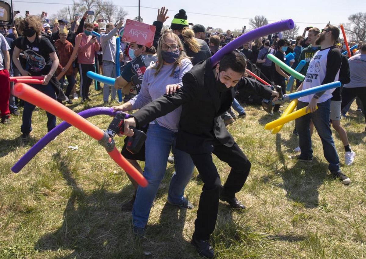 جاش فایت؛ فستیوالی که فقط «جاش»ها در آن شرکت میکنند