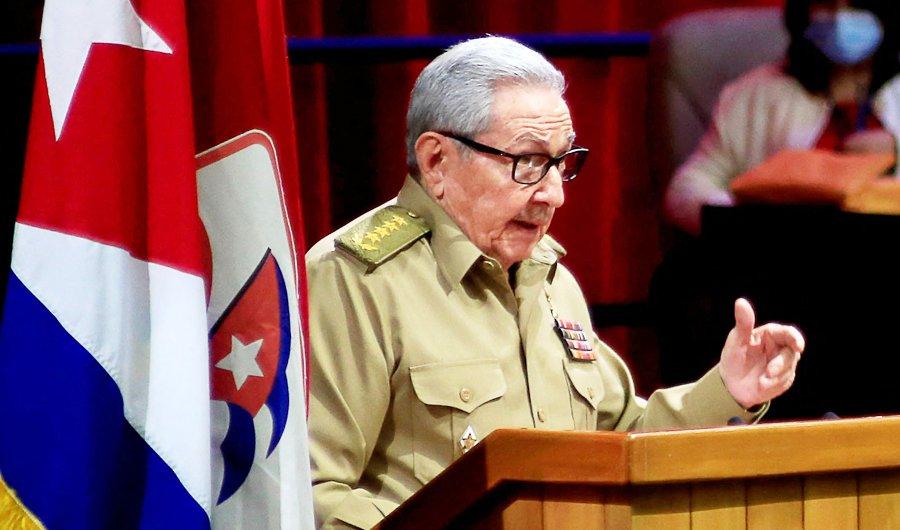کنارهگیری رائول کاسترو از رهبری حزب کمونیست و کوبای بدون برادران کاسترو بعد از ۶۳ سال