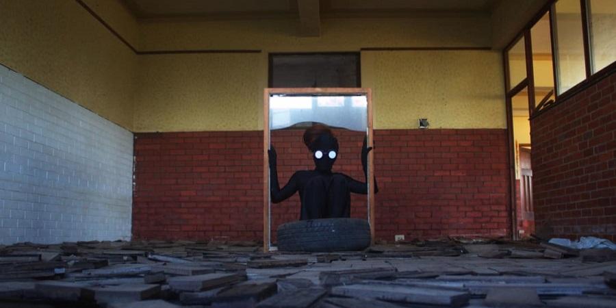 هنرمند ناشناس آفریقایی که کابوس هایش را می سازد