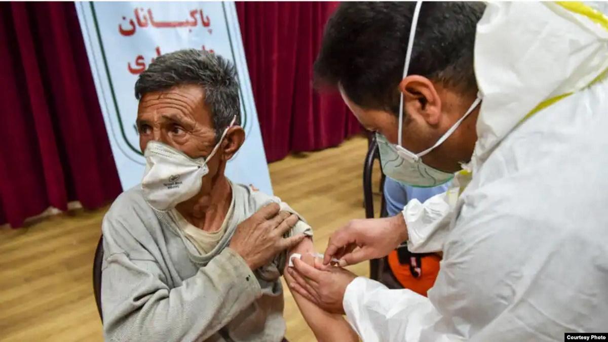 سوءاستفاده مدیران و اعضای شورای شهر آبادان و علیآباد کتول از سهمیه واکسن کرونای پاکبانان