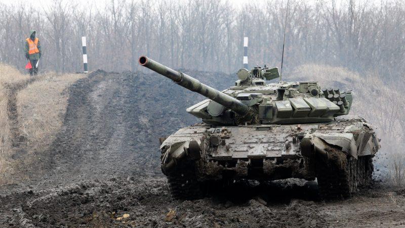 روسیه نیروها و ادوات نظامی بسیاری را در مقیاسی بی سابقه به مرزهای اوکراین فرستاده که کشورهای غربی را نگران کرده است.