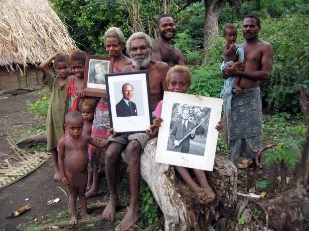«تانا»؛ جزیره ای در وانواتو که مردمانش شاهزاده فیلیپ را مانند خداوند پرستش می کنند