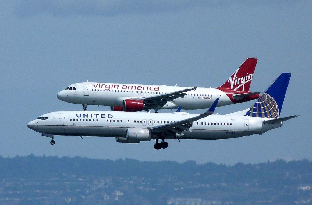 کلیپ مسابقه دو هواپیمای مسافربری در آسمان با بیش از ۱۵ میلیون بازدید + ویدیو