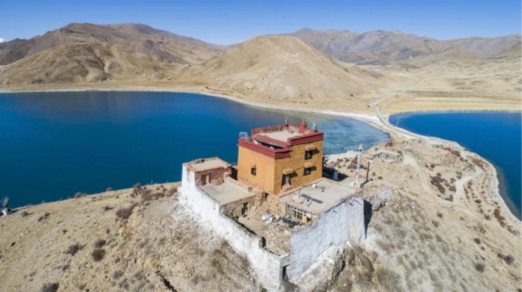 ماجرای تنهاترین راهب دنیا که در جزیرهای در ۱۰۰ کیلومتری نزدیکترین شهر زندگی میکند