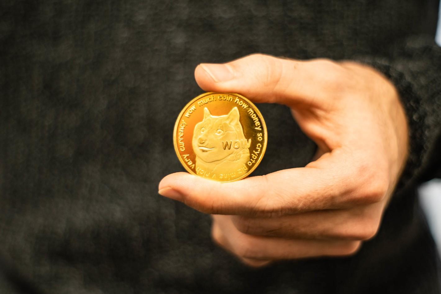 یک سرمایه گذار حوزه رمز ارز دوج کوین (Dogecoin) داستان میلیونر شدن خود پس از سرمایه گذاری در قالب این رمز ارز را بیان کرده است.