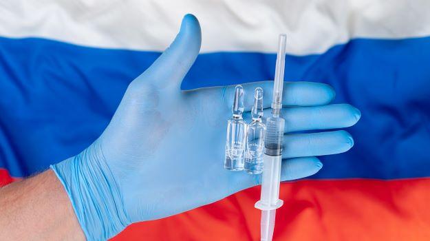 روسیه مدعی شده اولین کشوری است که برای جلوگیری از ظهور گونه های جهش یافته کرونا در جانوران اولین واکسن کرونای حیوانی را تولید کرده است