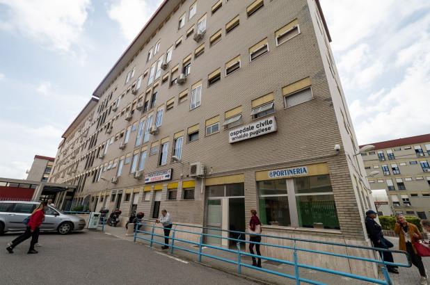 مردی در ایتالیا متهم شده در بیش از 15 سال اخیر در محل کار خود حاضر نشده در حالی که در تمام این مدت حقوق کامل خود را دریافت کرده است.