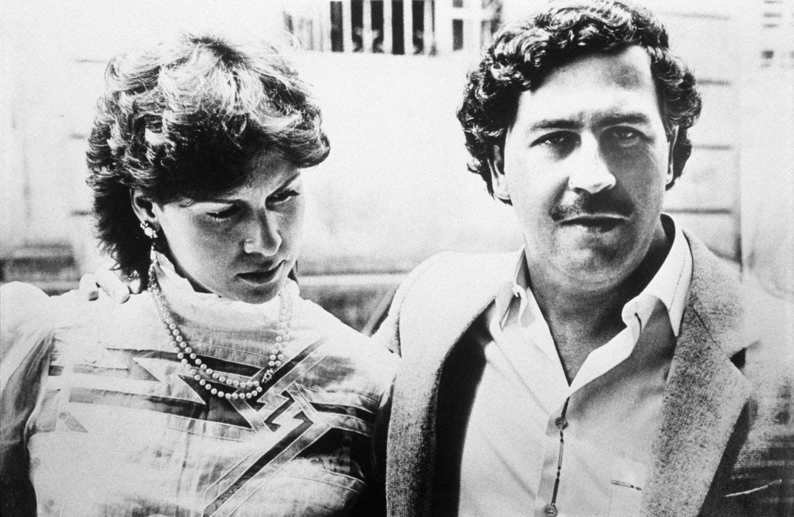 مستند Killing Escobar در مورد گروهی نیروی اجیر شده کارآزموده انگلیسی است که قرار بود پابلو اسکوبار را ترور کنند.