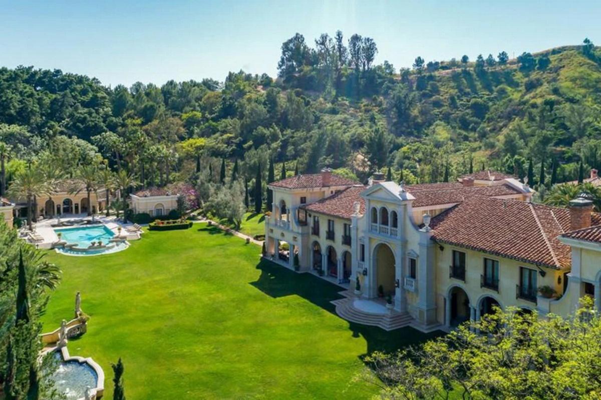 نگاهی به گرانترین خانه دنیا که در همسایگی خانه سیلوستر استالونه قرار دارد