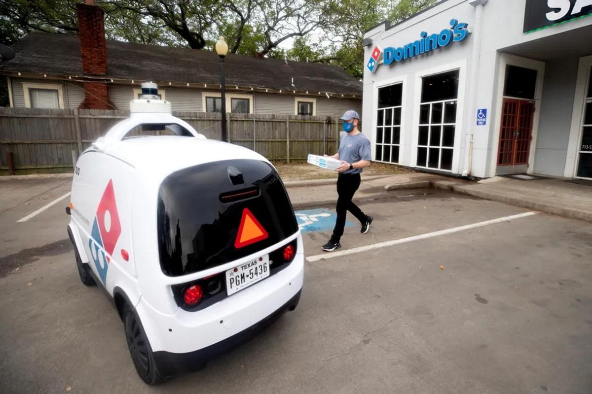 با نورو، ربات پیتزابر خودران در آمریکا آشنا شوید
