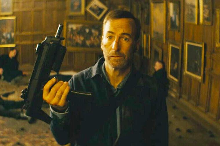 فیلم Nobody حاوی سکانس های اکشن و خشن بسیاری است، همانطور که مخاطب انتظار دارد و از دیدن آن ها لذت خواهد برد.
