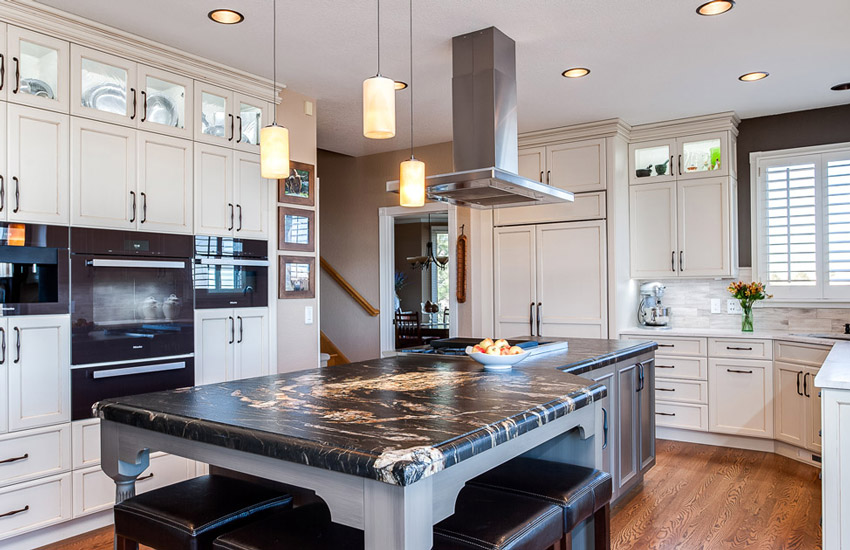 هود آشپزخانه یکی از ضروری ترین اقلام هر خانه ای است که آشپزی کردن بدون آن می تواند غیرممکن یا دستکم دشوار باشد