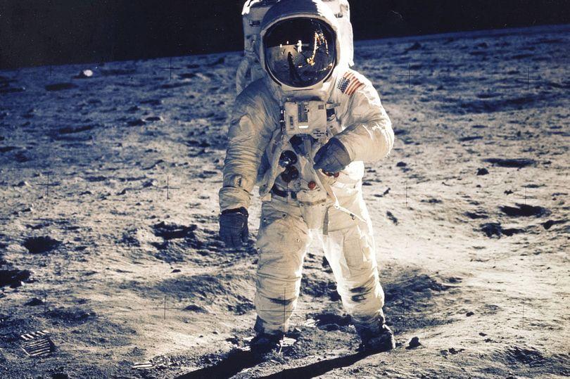 ببه زودی فضانوردان در ماموریت های آینده خود در ماه می توانند با واتس اپ برای دوستانشان پیام فرستاده و از نتفلیکس استفاده کنند.