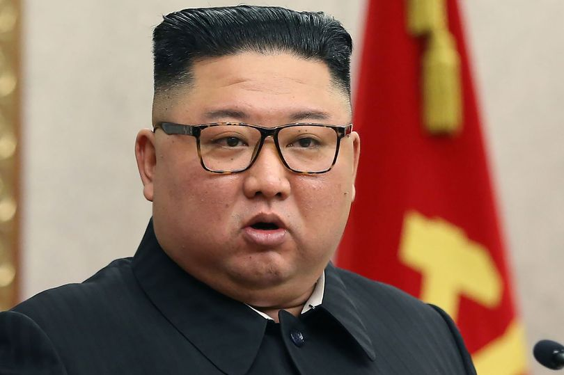 کیم جونگ اون پوشیدن شلوارهای جین تنگ و پشت مو گذاشتن را ممنوع اعلام کرد