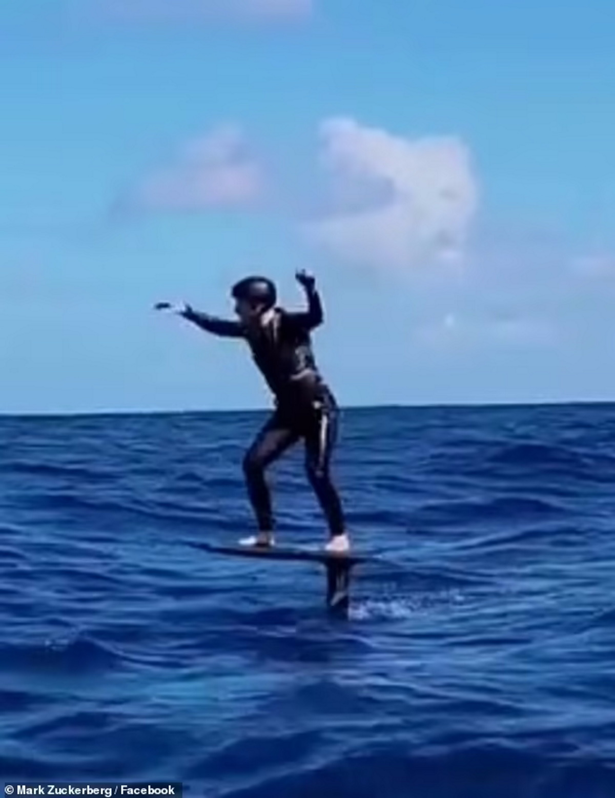 موج سواری مارک زاکربرگ در تولد ۳۷ سالگیاش