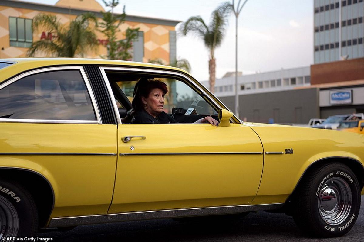 تصاویر جولان ماشینهای لورایدر در خیابانهای آمریکا