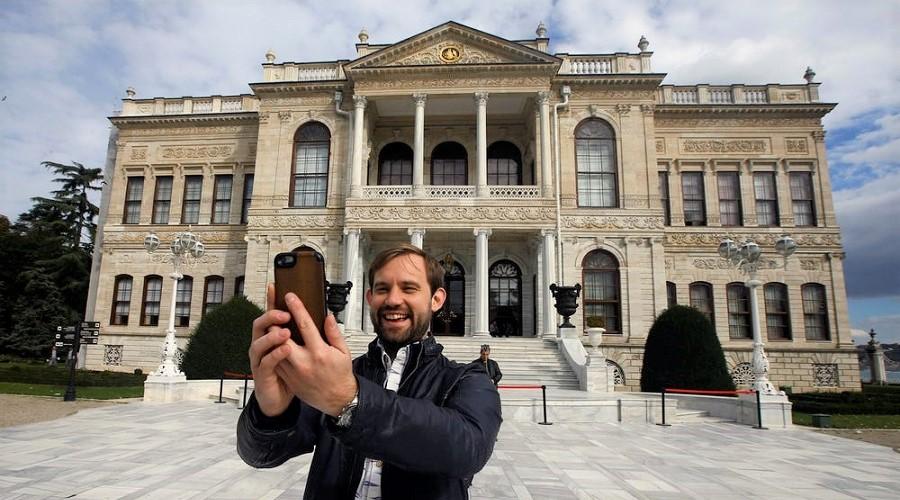 شاهزاده ترک برای دیدن قصر آبا و اجدادی اش در ترکیه مجبور به پرداخت پول شد