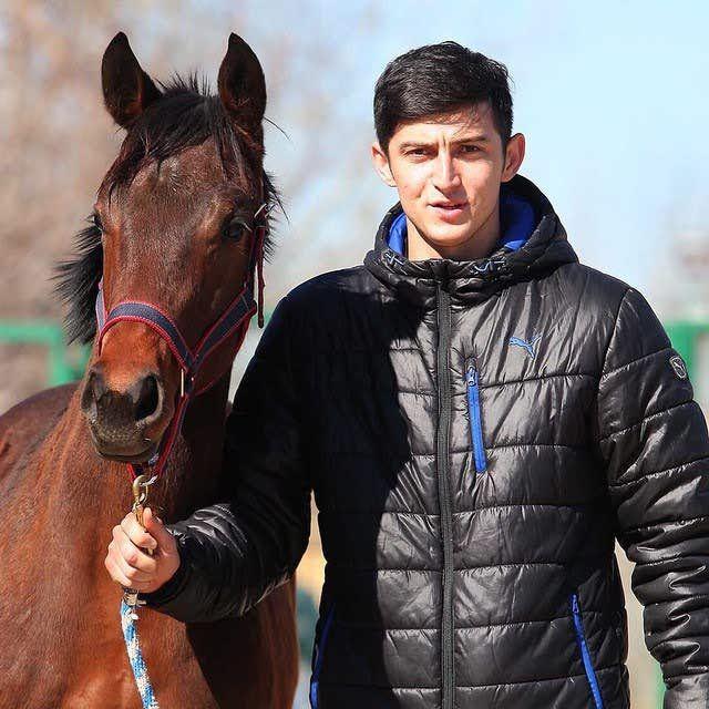 سریک اسب سردار آزمون