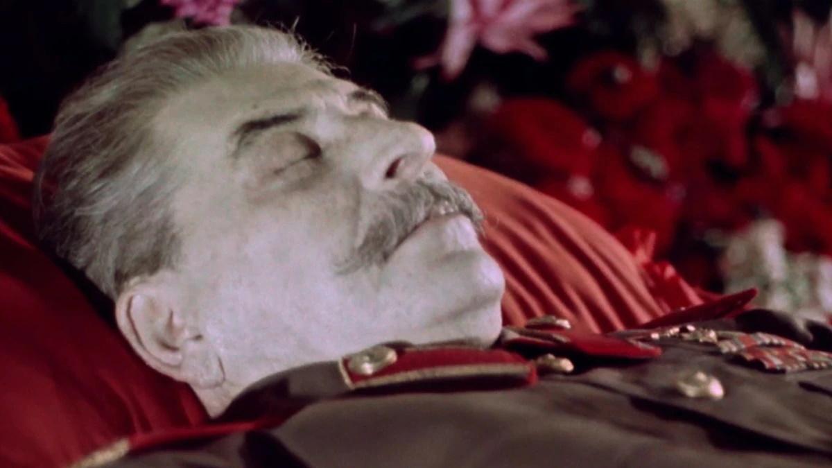 فیلم State Funeral از سرگئی لوزنیتسا یک مستند بسیار حیرت انگیز و جذاب است که اتفاقات چند روز بعد از مرگ استالین را به تصویر می کشد.