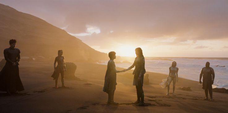 در شرایطی که مخاطبان عادی آشنایی اندکی با شخصیت های فیلم Eternals دارند، مارول با دور هم جمع کردن تعدادی از بهترین استعدادهای بازیگری سعی کرده مفهومی جدید را شکل دهد.