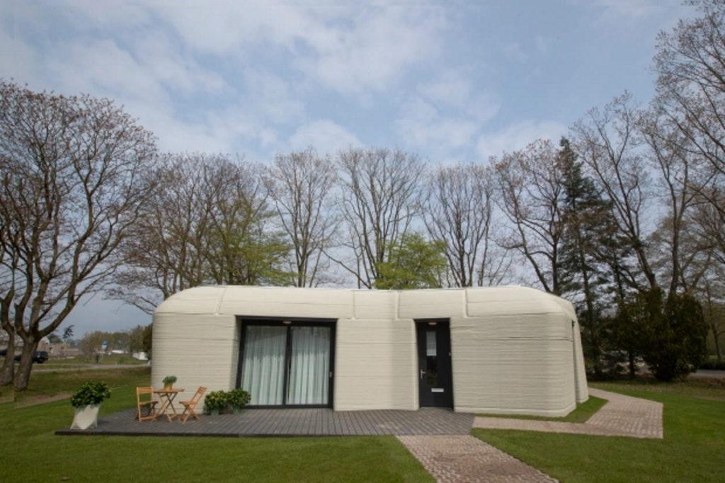 نقل مکان یک زوج به اولین خانه چاپ شده در اروپا که در ۵ روز ساخته شده است