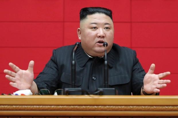 دیکتاتور کره شمالی بر این باور است که پرندگانی که از چین می آیند، ویروس کرونا را همراه خود به این کشور می آورند.