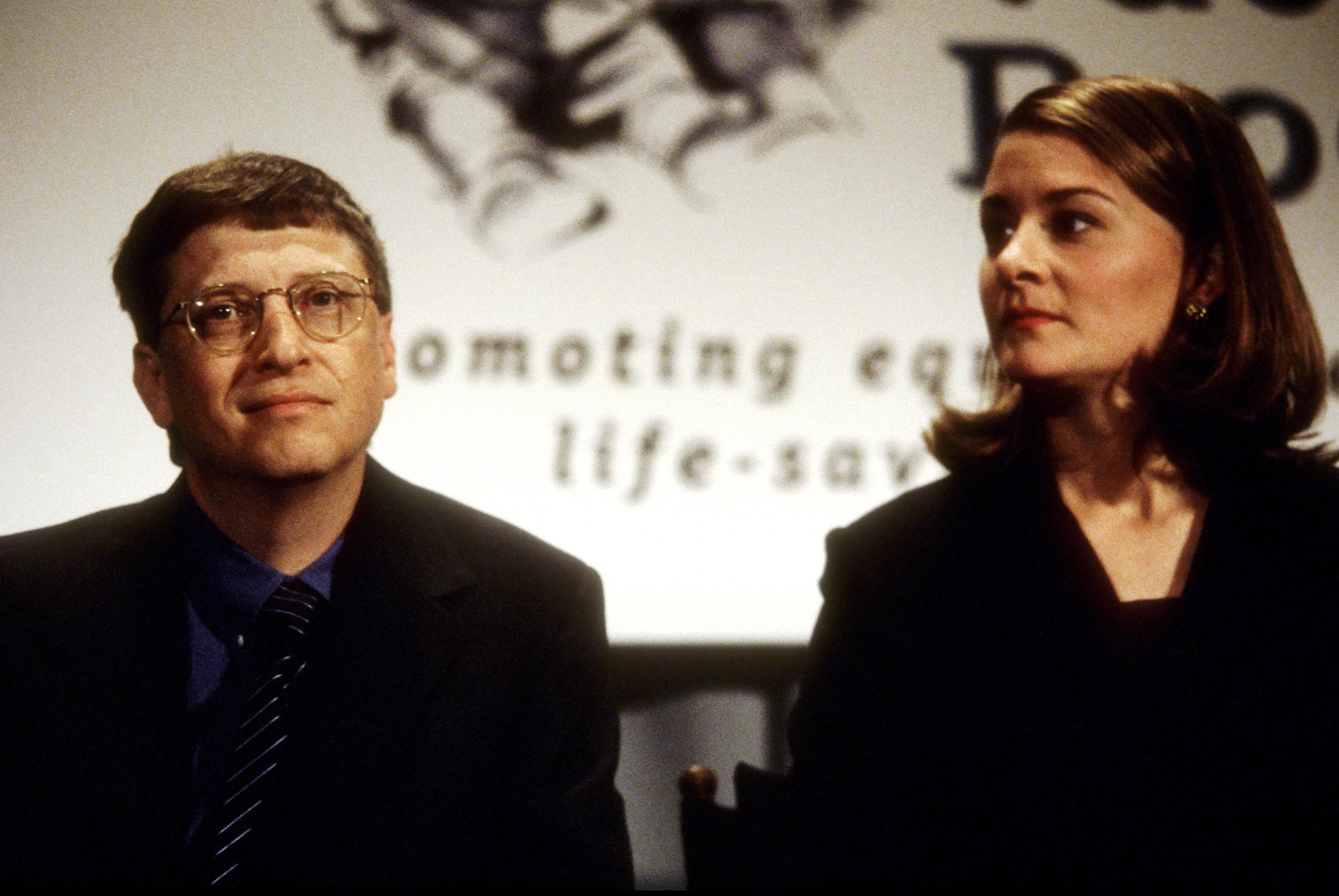 بیل گیتس و همسرش ملیندا اکنون باید بر سر ثروت هنگفت خود مبارزه کنند، در شرایطی که بعد از سال ها زندگی مشترک، تصمیم به جدایی گرفتند.