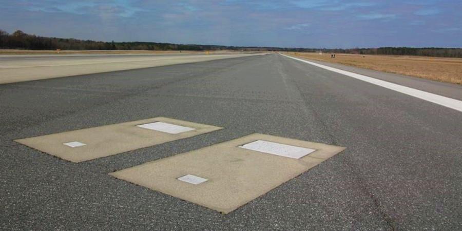 فرودگاهی که دو نفر را وسط باندش دفن کرده اند