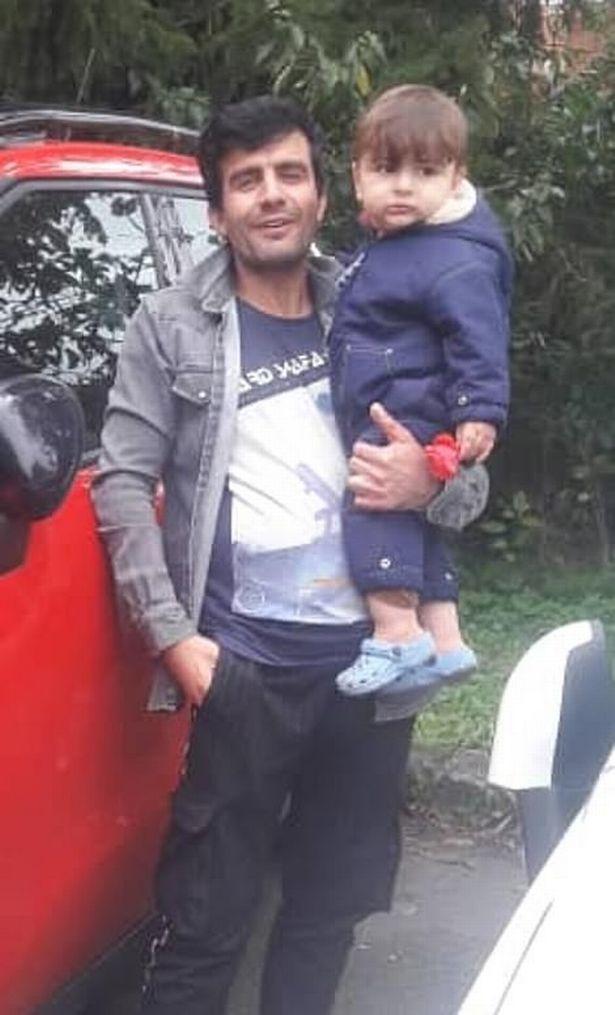 جسد آرتین ایران نژاد ،پسربچه 15 ماهه ایرانی که همراه با خانواده اش در تلاش برای ورود به بریتانیا و برای داشتن زندگی بهتر غرق شده بود