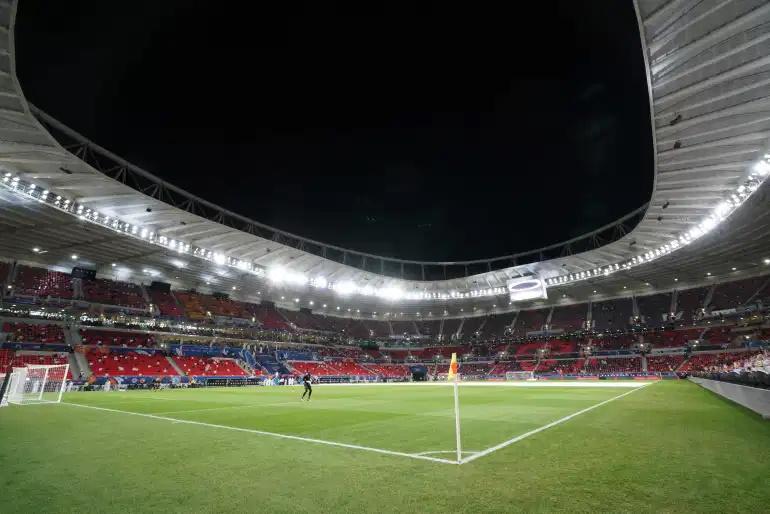 قصد داریم شما را با 8 مورد از بهترین و بزرگ ترین استادیوم های ورزشی قطر که قرار است مسابقات جام جهانی در آن ها برگزار شوند، آشنا کنیم.