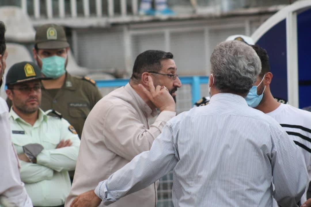 محمد زارع فومنی مدیر تیم گل ریحان البرز علت همراه داشتن اسلحه کمری در زمین مسابقه را تهدید شدن به دلیل حمایت از ابراهیم رییسی اعلام کرد