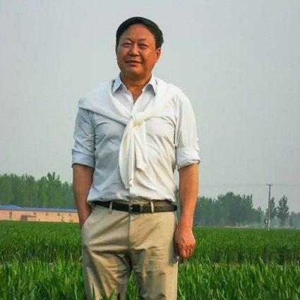 سان داوو میلیاردر سرشناس چینی و از منتقدان سرسخت دولت چین، روز چهارشنبه گذشته به جرم «درگیری و ایجاد دردسر» به 18 سال زندان محکوم شد.