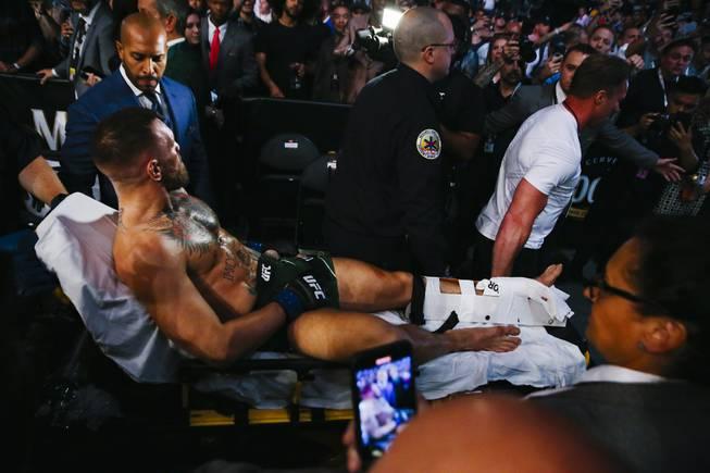 در جریان سومین مبارزه بین کانر مک گرگور و جاستین پویریر که شب گذشته انجام شد، در ثانیه های پایانی راند اول مچ پای چپ مک گرگور دچار شکستگی شد