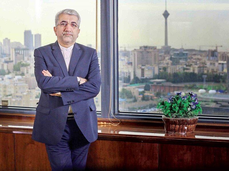 آیا رضا اردکانیان ، وزیر نیروی دولت روحانی در هتل اسپیناس تهران سکونت دارد؟