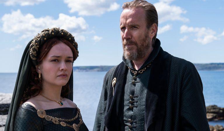 بدنبال شناسایی یک مورد ابتلا به کووید-19 فیلمبرداری سریال House of the Dragon که پیش درآمدی بسیار مورد انتظار بر سریال Game of Thrones است متوقف شد.