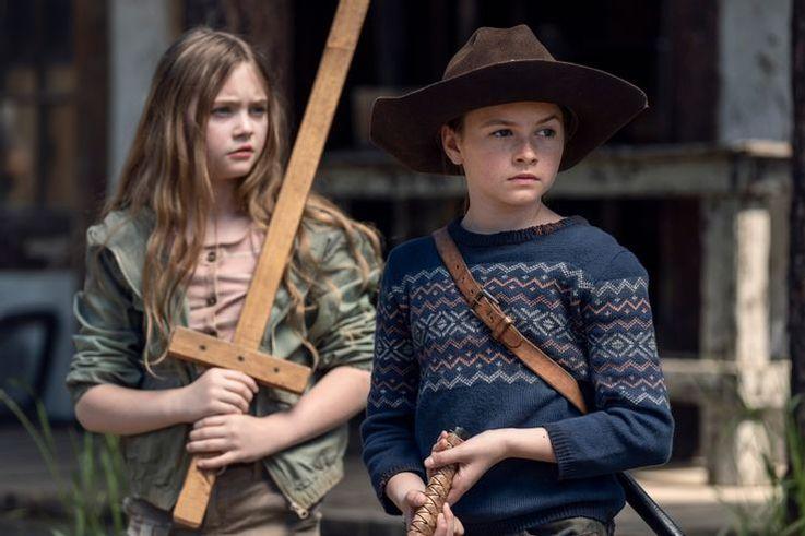 تصاویر جدید منتشر شده از فصل یازدهم سریال The Walking Dead به ماجرای شخصیت های اصلی بازماندگان این آخرالزمانی زامبی محور پرداخته است.