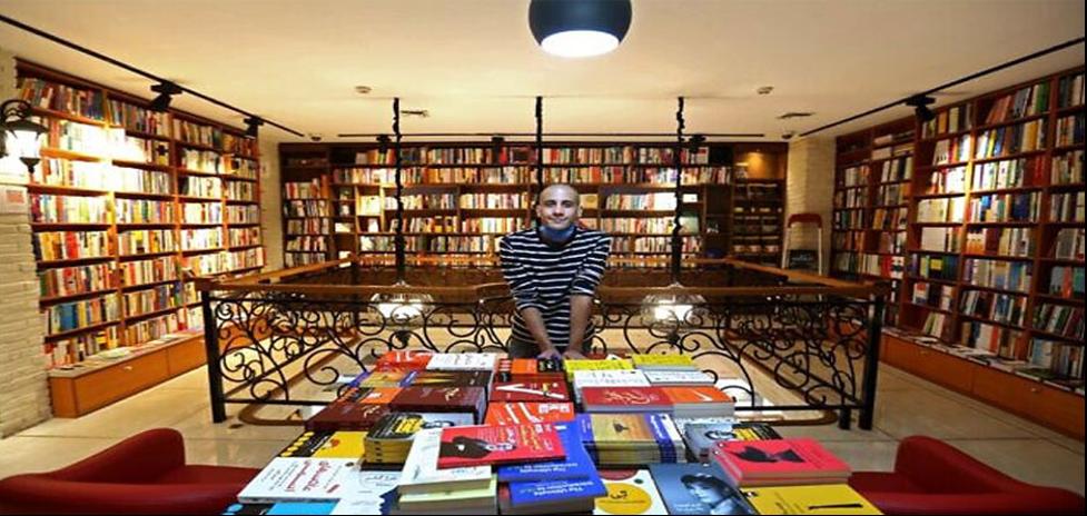 ۶ مورد از پر فروش ترین کتاب های شعر عاشقانه در سال ۱۴۰۰