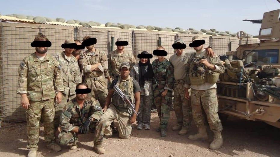 تیرباران ۲۲ کماندوی افغان بعد از تسلیم شدن توسط شبه نظامیان طالبان + ویدیو