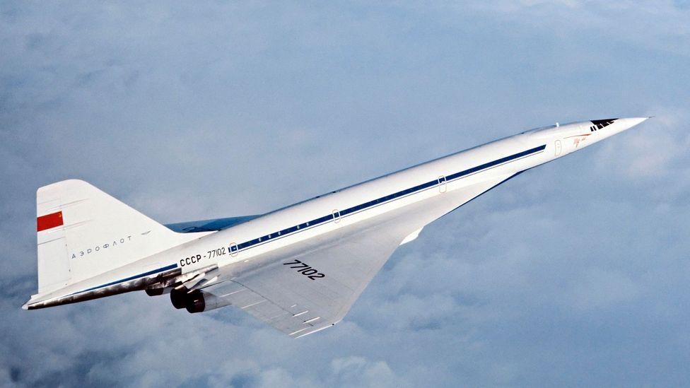در 31 دسامبر 1968، سه ماه پیش از اولین پرواز آزمایشی کنکورد هواپیمای Tupolev Tu-144 روسیه در مسکو رونمایی شد.